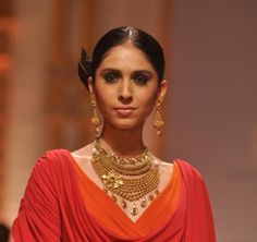 Azva Wedding Jewellery Collection - Indian Bridal Jewelry Set in Gold at Talwar Jewellers