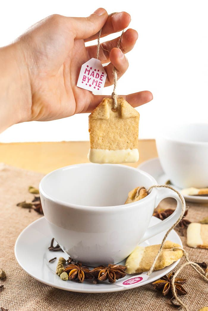 Chai-Mandel-Teebeutel-Plätzchen mit weißer Schokolade | Kaffee & Cupcakes #chai #plätzchen #kekse #weihnachtsbäckerei #weihnachten #herbst #herbstlich #backen #weißeschokolade #schokolade #rezept