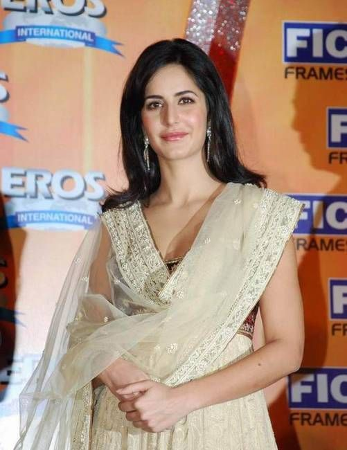 Wallpaper Gallery Katrina Kaif in Churidar dress Wallpapers | itimes