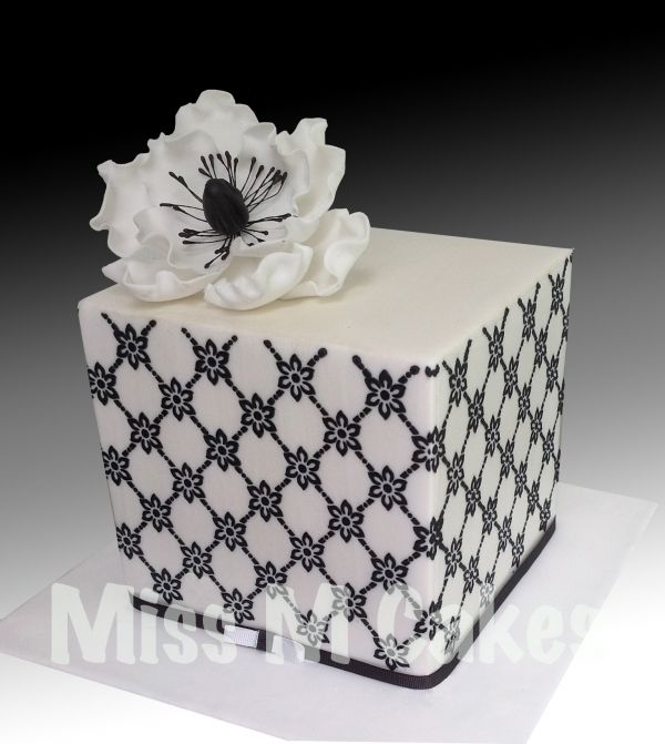 Mini Square Black White With Anemone Flower Cake