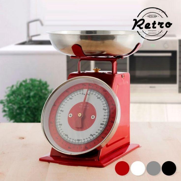 Δώσε το απόλυτο Retro στυλ στην κουζίνα σου, με τη μοναδική αυτή μεταλλική ζυγαριά! Φυσικά θα μπορείς να ζυγίζεις τα πάντα για τη μαγειρική σου, αλλά θα σου δώσει το μοναδικό διακοσμητικό στοιχείο που θέλεις για να συνδυάσεις μοντέρνο με retro!