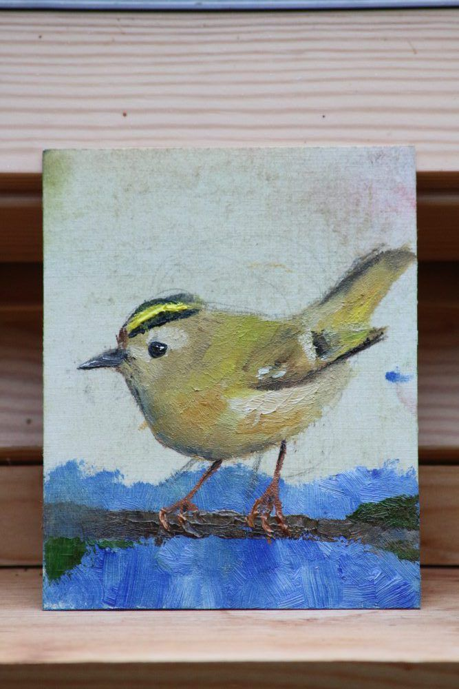 Oil painting of a Goldcrest by Ben Farnell