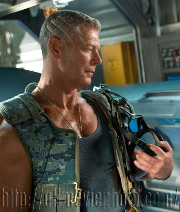 Stephen Lang as Colonel Miles Quaritch (Avatar). I would faint if a dude who looked like this spoke to me! :0D