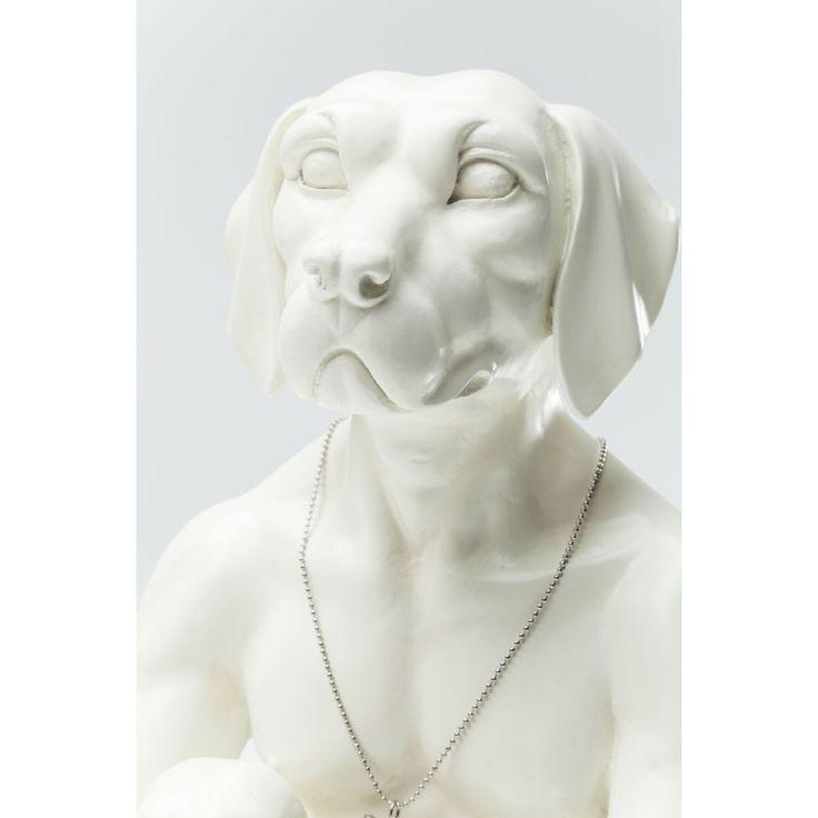 Διακοσμητικό Gangster Dog Cream Ένα διακοσμητικό ειδώλιο με ανθρώπινο σώμα και κεφάλι σκύλου, μία αντισυμβατική μορφή που δεν περνά απαρατήρητη και έχει τις ρίζες της στην τέχνη των αρχαίων εποχών. Υλικό: Polyresin