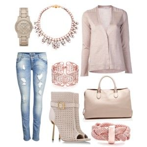 cute chic outfit beige and jeans.
