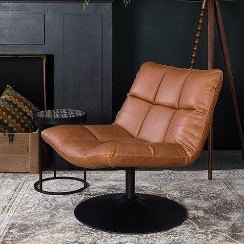 Deze Zuiver fauteuil Bar is een een über comfortabele fauteuil met een prettig jaren '70 tintje. Materiaal: 100% polyester Zwart staal, draaibaar frame Maximale draaggewicht: 150 kg