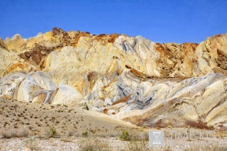2/365: Радужные горы Сары-Тоо