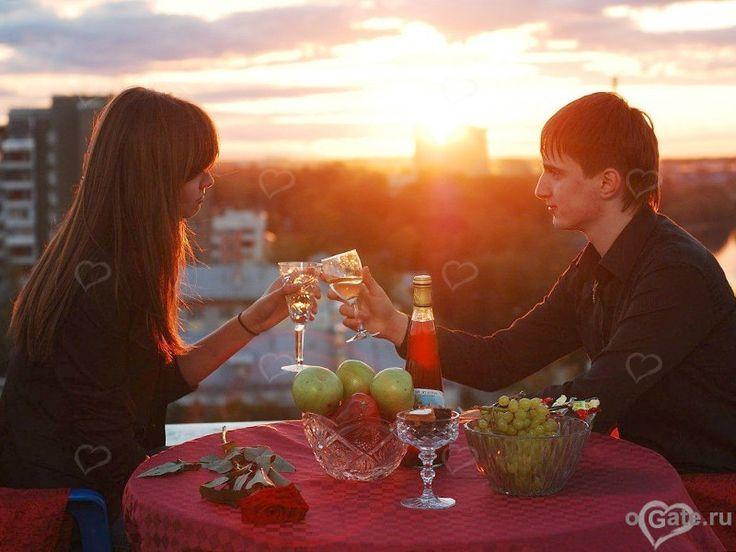 Первое свидание, если оно идеальное, может стать самым запоминающимся в начале новых отношений. http://ogate.ru/svidaniya/183-kak-provesti-pervoe-svidanie.html