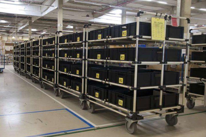 GALERIE - Kart Factory  Historie vzniku Kart Factory Program Practical Lean Management Training Programme vyvinula společnost JMAC Scandinavia prošvédskou subdodavatelskou společnost v automobilovém průmyslu v letech 2005–2006, vývoj byl částečně financován ze švédského státního fondu (fond pro podporu výzkumu MERA). Výukové středisko se nachází v Innovatum Teknikpark (Trolhattan – Švédsko); jde o neziskovou organizaci zaměřenou na mezifiremní spolupráci. Kart Factory® je vzdělávací…