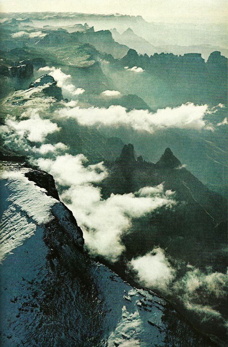 Drakensberg Range, South Africa  National Geographic | June 1977