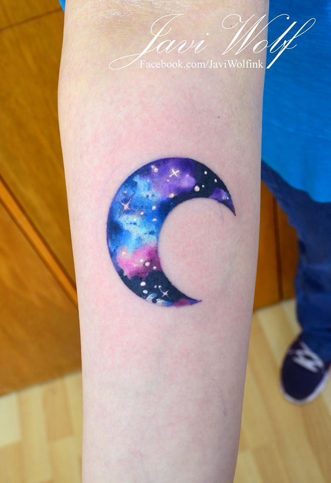 Want with dipping color into star fallin from it!!! Watercolor moon tattoo.Tattooed by javiwolfinkwww.ja...