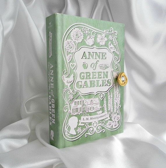 Book Clutch Purse  Anne of Green Gables by Bookarelli on Etsy, £55.50