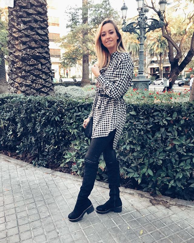 Reposting @patriciafuentes9: 🌷Chi ama, crede.🌷 #valencia #españa #look #lookoftheday #looks #photo #photography #photographer #photoshoot #foto #fotografia #moda #style #zara #inditex #outfitoftheday #outfit #outfits #blogger #bloggers #bloggerspain #blonde #influencer #influencers