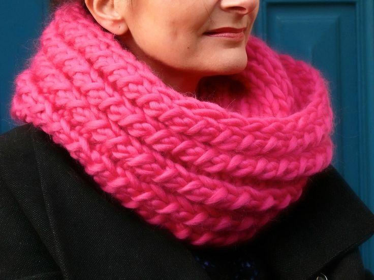 Snood aig 15 2 écheveaux laine mèche superbulky
