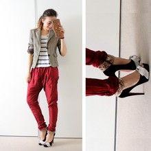 Mariposa Love - Paruolo Pumps, Akiabara Blazer, Complot Tshirt, Vintage Clutch - Red as Roses