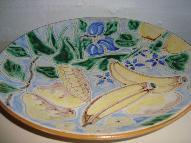 ESLAU fad/dish - AGNETHE SØRENSEN H: 5,5 cm D: 33,5 cm. År/year 1940s. Sign: Eslau Nethe. #Eslau #Nethe #fad #dish #keramik #ceramics #pottery #danishdesign #nordicdesign #klitgaarden #tilsalg #forsale on www.klitgaarden.net.