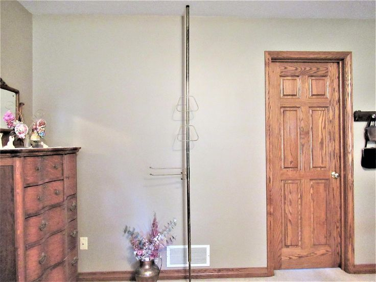 Vintage Tension Pole Towel Rack Spring Loaded Mid Century Floor to Ceiling Holders for 8/' Ceilings 1960s Gold Tone Metal Rings and Rods