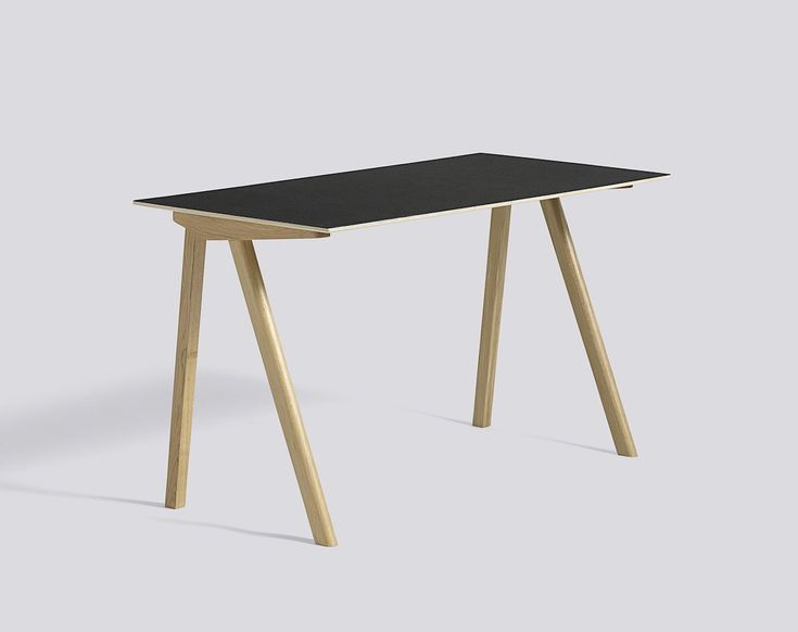 CPH90 Desk Oak Lacquer L130 x W65 x H74 Lacquer plywood edge Black linoleum tabletop - HAY