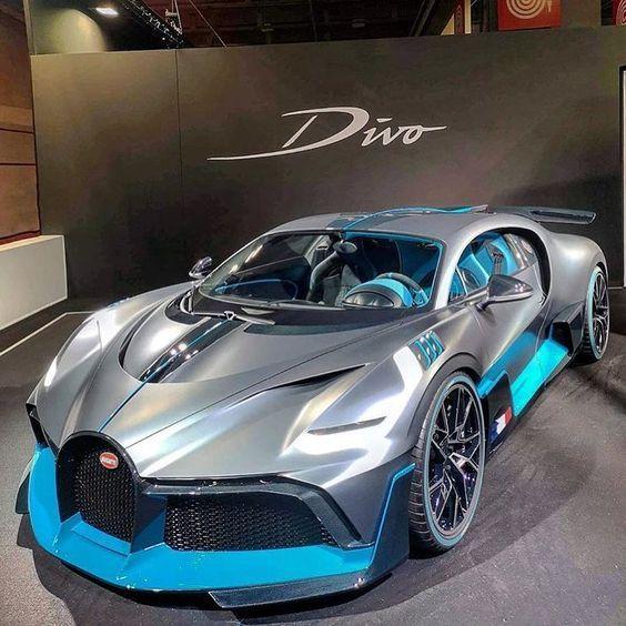 Jetzt haben Sie die Freiheit, überall zu hingehen. 2019 Bugatti Divo