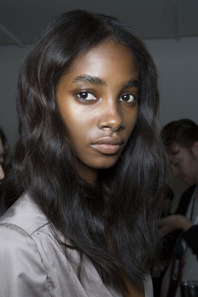 A No-Makeup Makeup Look For Women With Darker Skin Tones