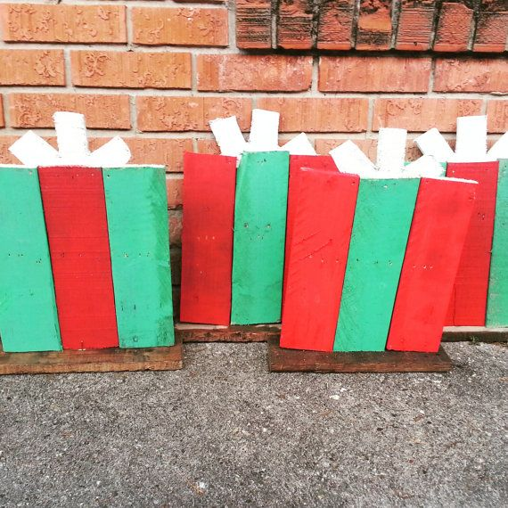 Outdoor Christmas Decorations With Pallets : Ideas about school yard signs on
