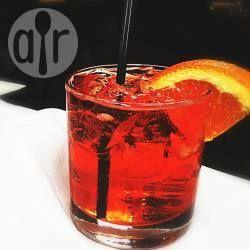 Aperol™ Spritz- Dieser Cocktail wird beim italienischen Aperitivo zu Chips, gerösteten Nüssen und Kanapes serviert. @ de.allrecipes.com