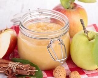 Compote minceur multi-pommes à la cannelle : http://www.fourchette-et-bikini.fr/recettes/recettes-minceur/compote-minceur-multi-pommes-a-la-cannelle.html