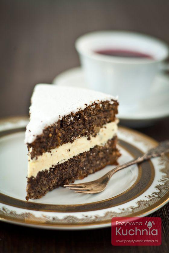 #Tort makowy, w którym #mak występuje w bardzo dużych ilościach. Można przełożyć go kremem lub kwaskowatą konfiturą.  http://pozytywnakuchnia.pl/tort-makowy/  #ciasto #przepis #kuchnia