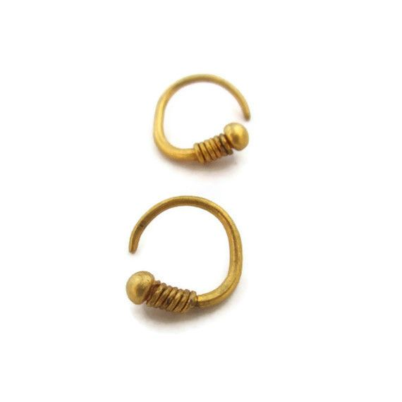 14k Solid Gold Huggie Earrings Are The Perfect Every Day Hoops Unique With A Retro Men S