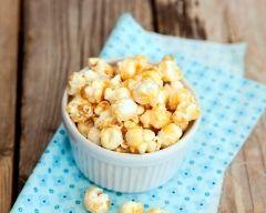 Pop corn au caramel au beurre salé (facile, rapide) - Une recette CuisineAZ