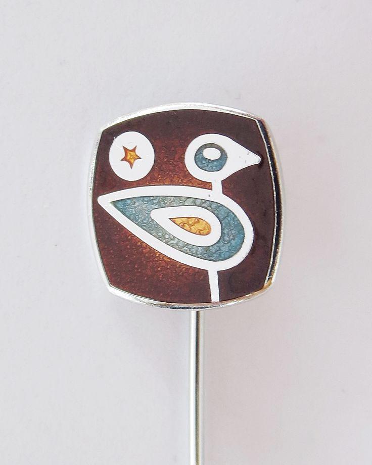 De Passille-Sylvestre bird hairpin. Ename on metal.