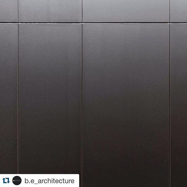 #Repost @b.e_architecture ・・・#Duobuilt The guys @duobuilt have pulled off this painted compressed cement board to look a lot like a more costly metal cladding with the varied thickness in panel sizes for the extension at Lewisham Road in Windsor. #architecture #materiality #cementboard #BEpinterest #melbourne #residential