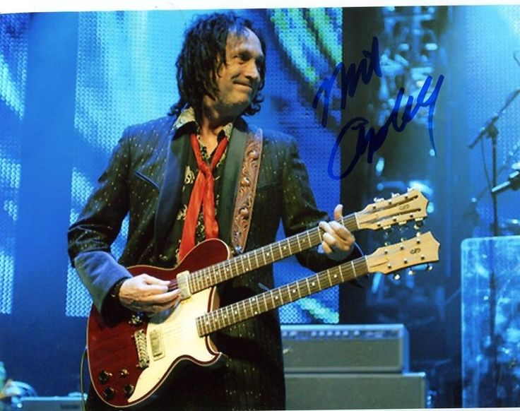 g Tom Petty MIKE CAMPBELL signed 8X10 Photo -PROOF- -CERTIFICATE-