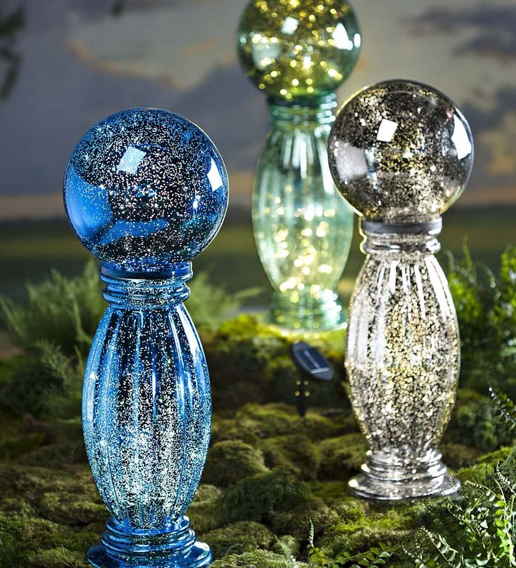 Solar Mercury Glass Gazing Ball And Stand   Decorative Garden Accents