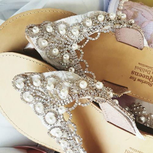 Χειροποίητα νυφικά σανδάλια.  Βρείτε το στο παρακάτω σύνδεσμο http://handmadecollectionqueens.com/νυφικα-σανδαλια-χειροποιητα-1  #handmade #fashion #brida #wedding #sandals #women #footwear #summer #storiesforqueens #χειροποιητα #μοδα #νυφικο #σανδαλια #γυναικα #υποδηματα #καλοκαιρι