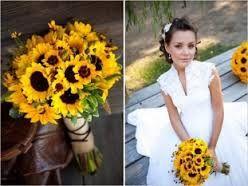 Αποτέλεσμα εικόνας για ανθοδεσμη γαμου με μαργαριτες