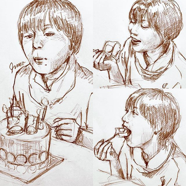 My sister's birthday 🎂✨ 結構前だけどお祝い😊すごい大きな口でケーキ頬張ってました(笑)おめでとう。 #絵#鉛筆#スケッチ#happybirthday#family#sister#enjoy#art#sketch#drawing#illustration#artwork