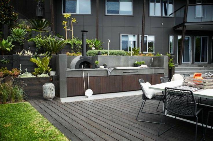 barbecue fixe et aménagement de terrasse moderne