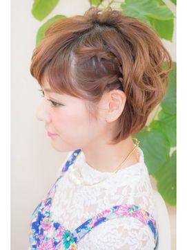 ヘアークークー hair coucouワンサイドねじり☆ショートヘアアレンジ
