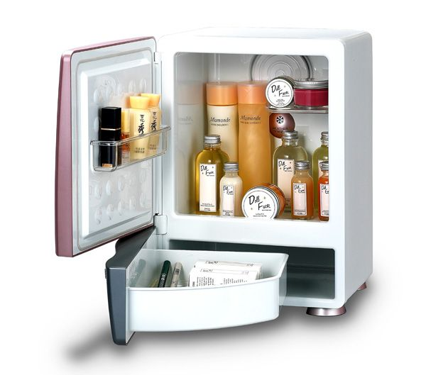 Где купить холодильник для косметики biszet гель для кожи вокруг глаз эйвон отзывы