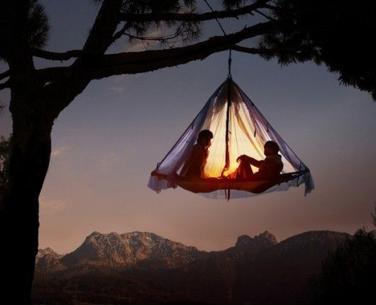 hanging tent: Under The Stars, Trees Tent, Trees Houses, Hanging Tent, Backyard, Sleep, My Buckets Lists, Lost Boys, Trees Camps
