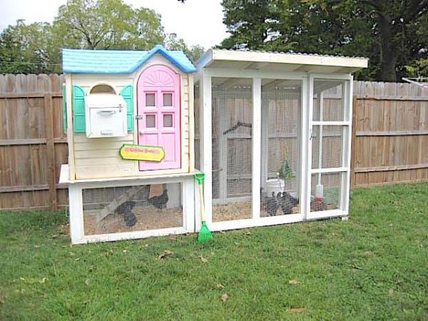 This Adorable Hen House Is The Perfect DIY Upcycle
