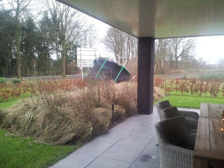 Zo veerkrachtig is onze trampoline ... oeps. #storm