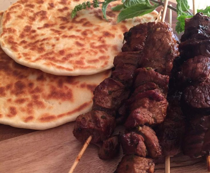 Recipe Redcurrant BBQ lamb skewers with super-easy flatbreads by Anna's Kitchen - Recipe of category Main dishes - meat