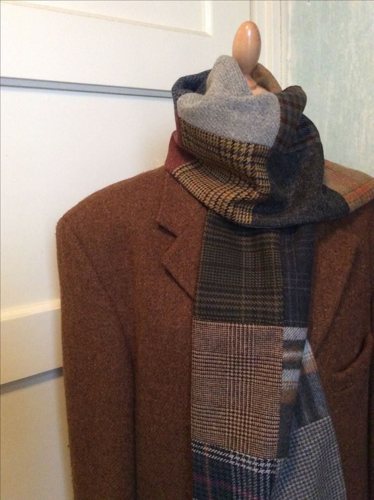 Lots of different tweed scarves. Warm and comfortable. Check the webshop at www.bakerstreethandmade.com