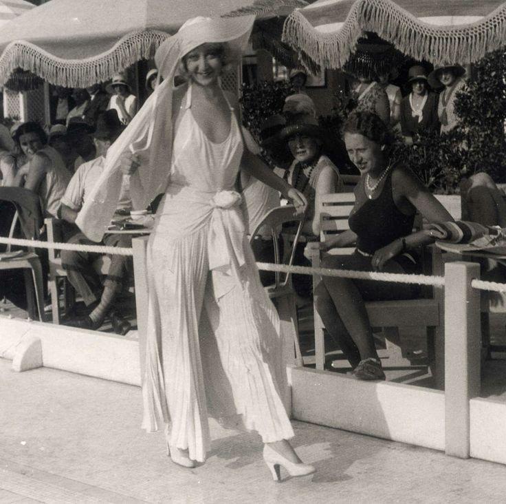 49 Best 1940 Art Deco Images On Pinterest Armchairs Art