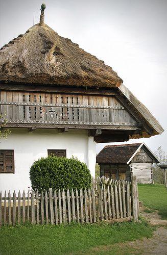 Szentendre - Szabadtéri Néprajzi Múzeum - House from Rédics by Kotomi_, via Flickr - Hungary