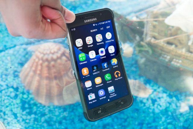 Hãng Samsung chính thức cho ra mắt bản Galaxy S7 Active vào ngày hôm nay, xem để biết thêm chi tiết...