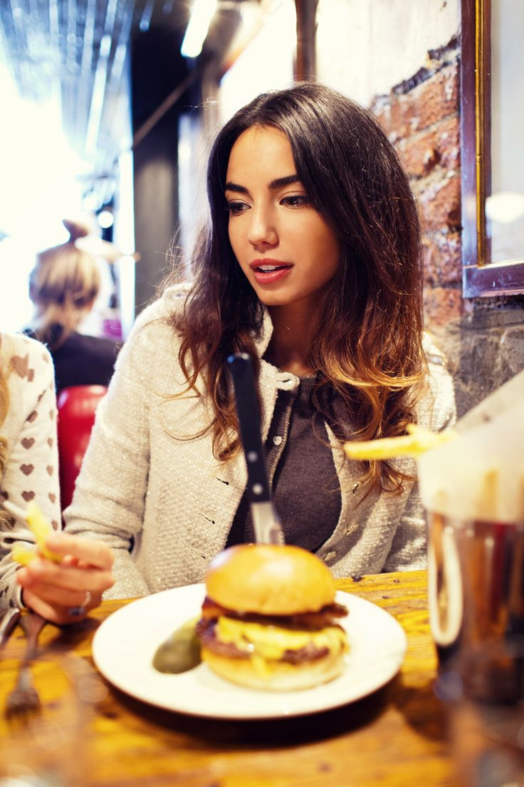 Lunch @electricdiner #chiarabiasi#maisonespin #outfit #fallwinter13 #fashionblogger#womancollection #lovely #MadewithLove #romanticstyle