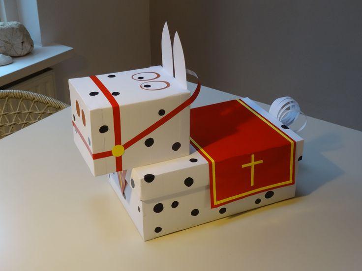 Amerigo van Sinterklaas! Makkelijke surprise, gemaakt uit dozen....